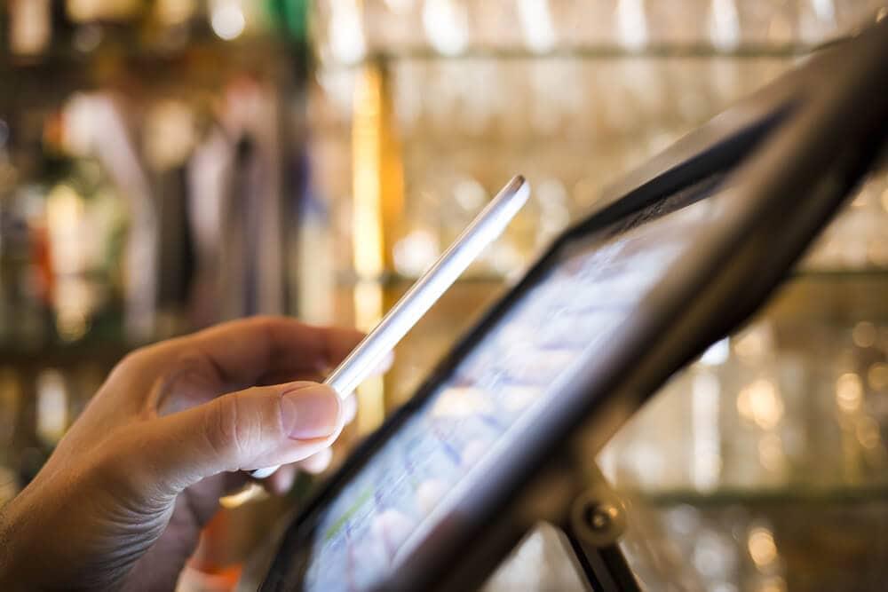 Wien, Stadt Wien testet erfolgreich Essensmarken auf der Blockchain