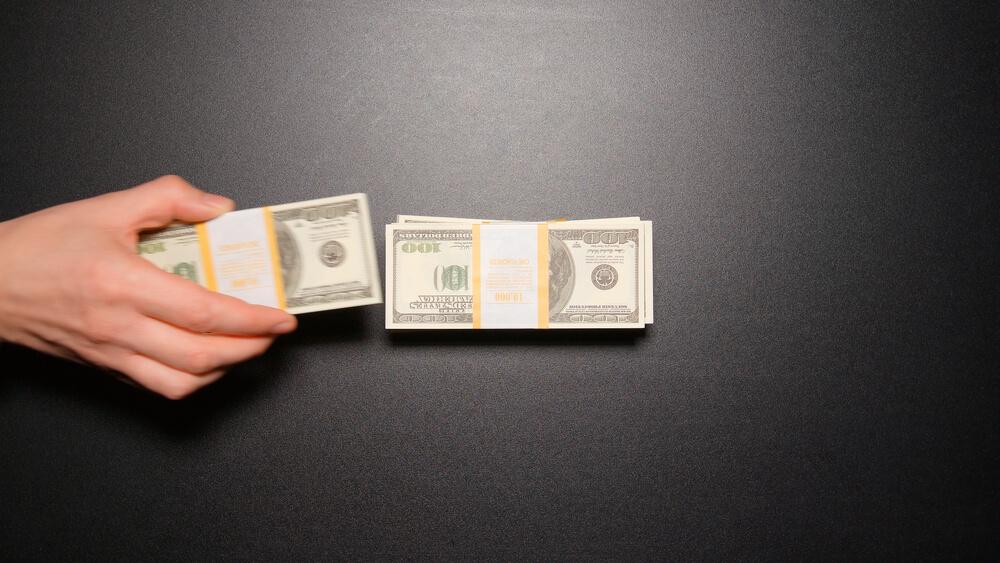 IWF diskutiert Strafzinsen auf Bargeld