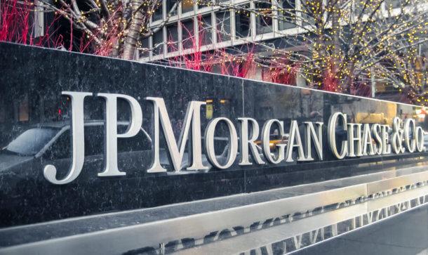 Schriftzug von JPMorgan auf Steintafel