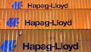 Gestapelte Container von Hapag-Lloyd