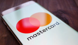 Mastercard-Logo auf Smartphone Display