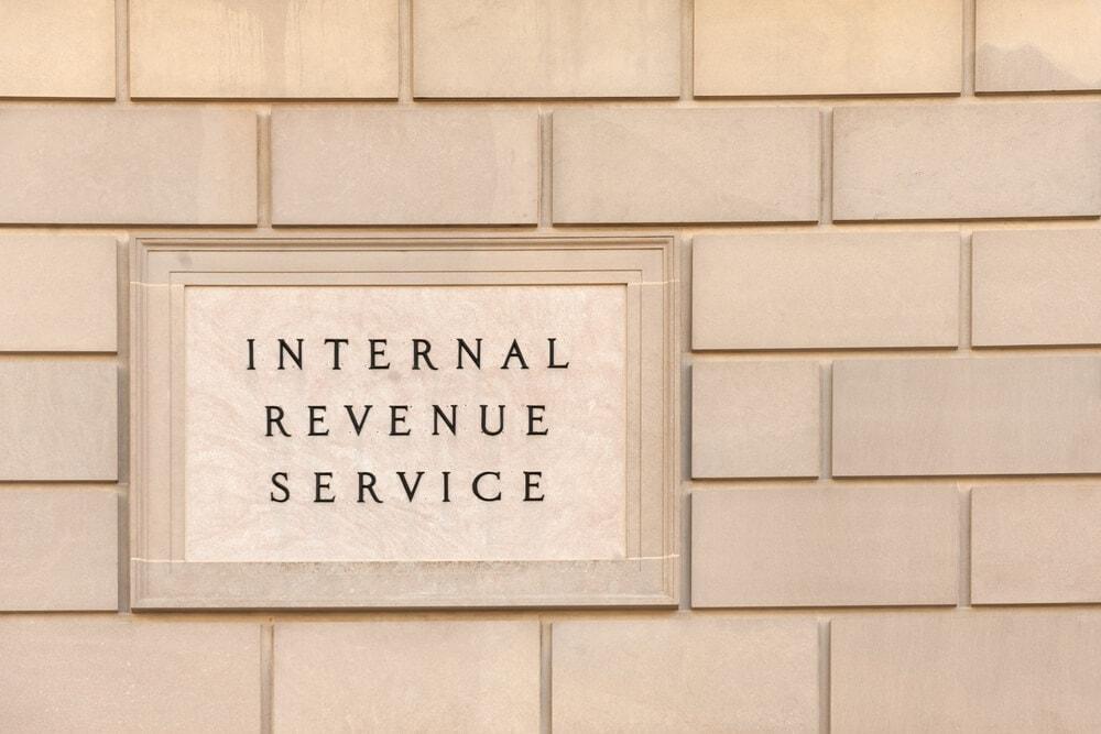 IRS: 10.000 Bitcoin-Hodler bekommen Post vom Finanzamt