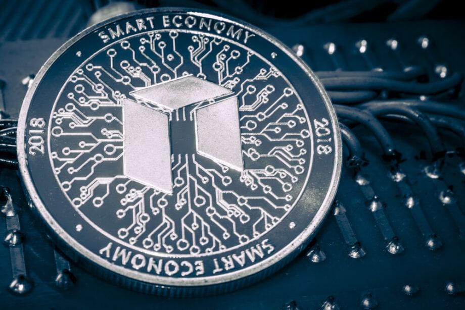 NEO-und-GAS-Symbolbild-NEO-Coin-mit-Smart-Economy-Praegung