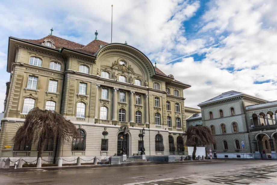 Schweiz Blockchain Bitcoin Nationalbank Bank für internationalen Zahlungsausgleich erwägen Zentralbankengeld