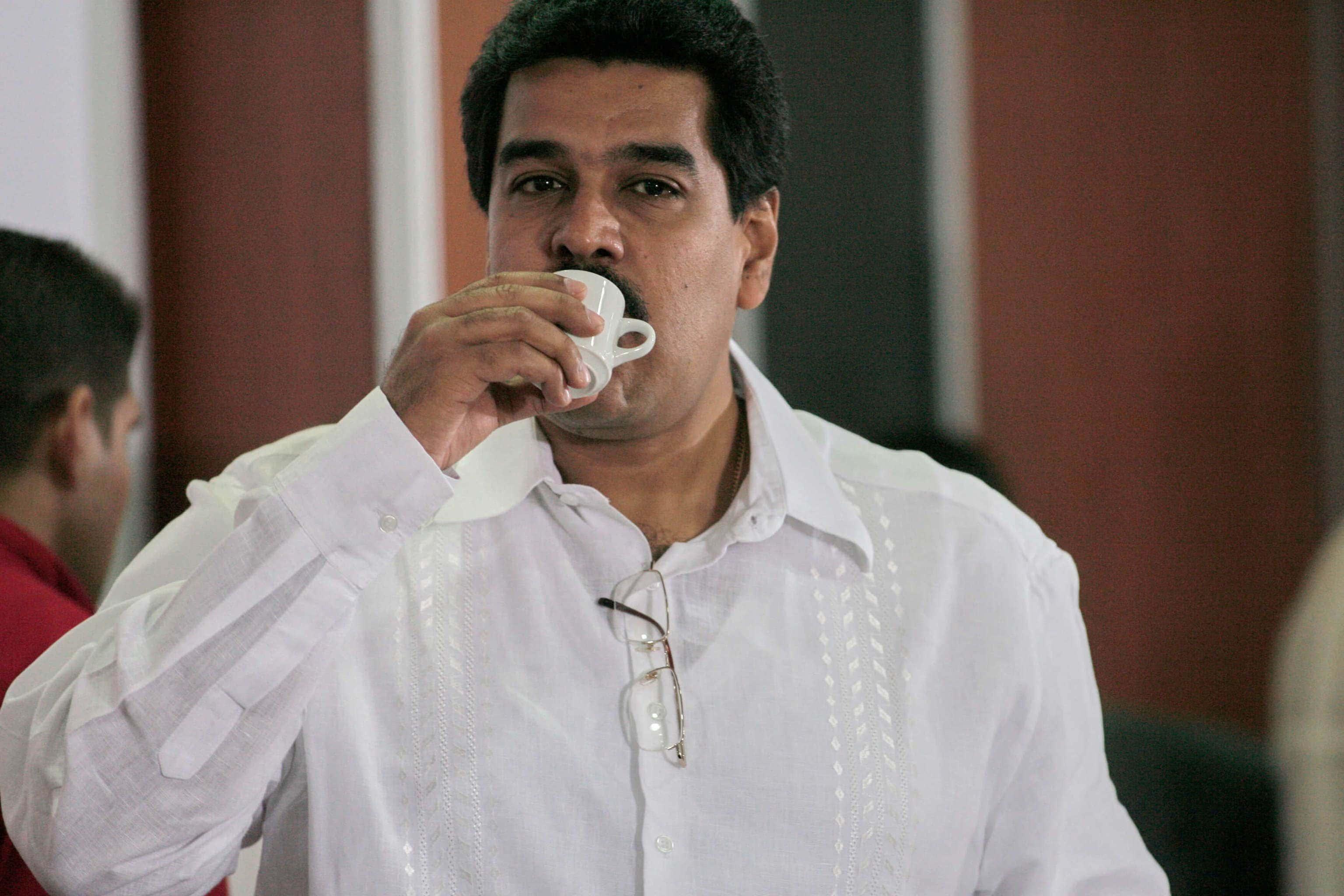 Maduro throws Petros for Venezuelans at Christmas 1