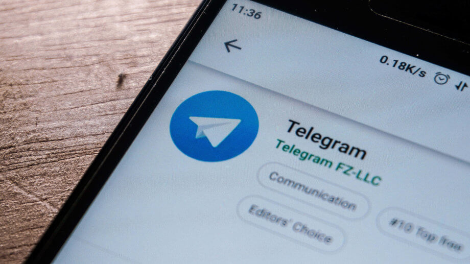 Telegram-Logo auf Smartphone Display