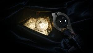 Bitcoins in der Tasche, vermutlich gestohlen.