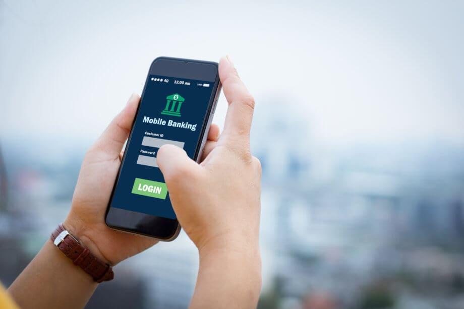 Ein Smartphone, auf dem Online Banking gemacht wird