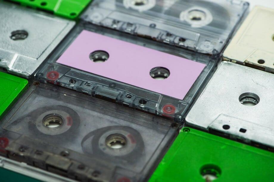 kassetten liegen nebeneinander