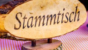 Traditionelles Stammtisch-Schild