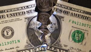 Eine zerrissene Dollarnote