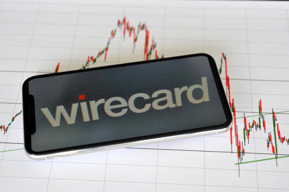 Smartphone mit Wirecard-Logo auf dem Display