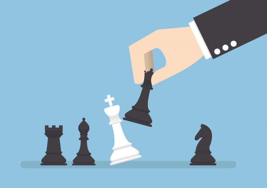 Die Grafik zeigt eine Schachpartie, in der die weiße Figur Schachmatt gesetzt wird.