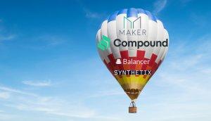 Auf dem Bild ist ein mit Logos von Decentralized Finance Plattformen bedruckter Heissluftballon zu erkennen, der in den Wolken schwebt.