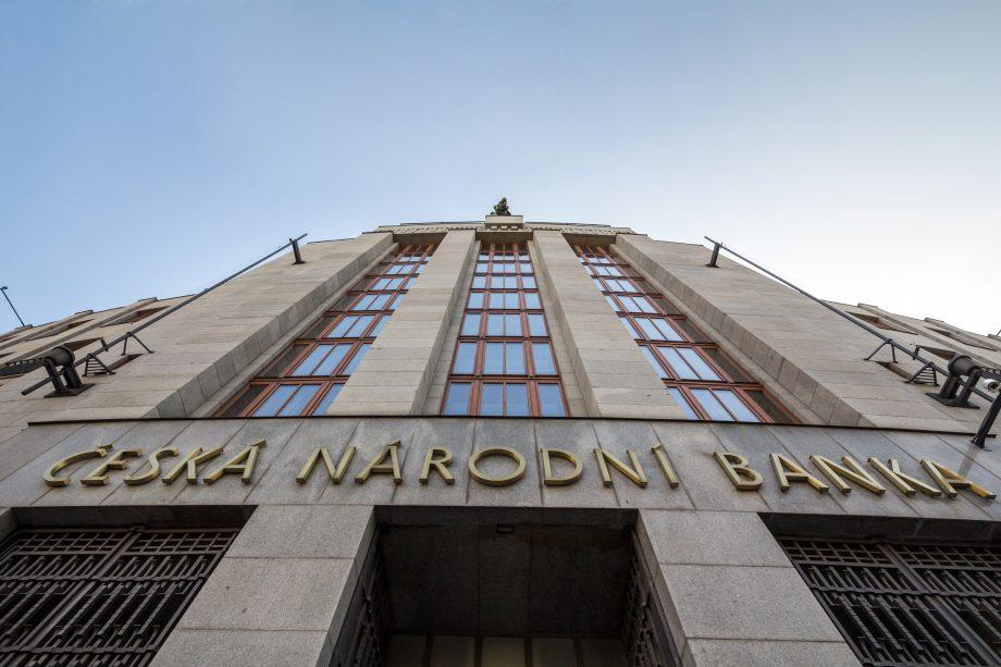 Fassade der tschechischen Zentralbank in Prag