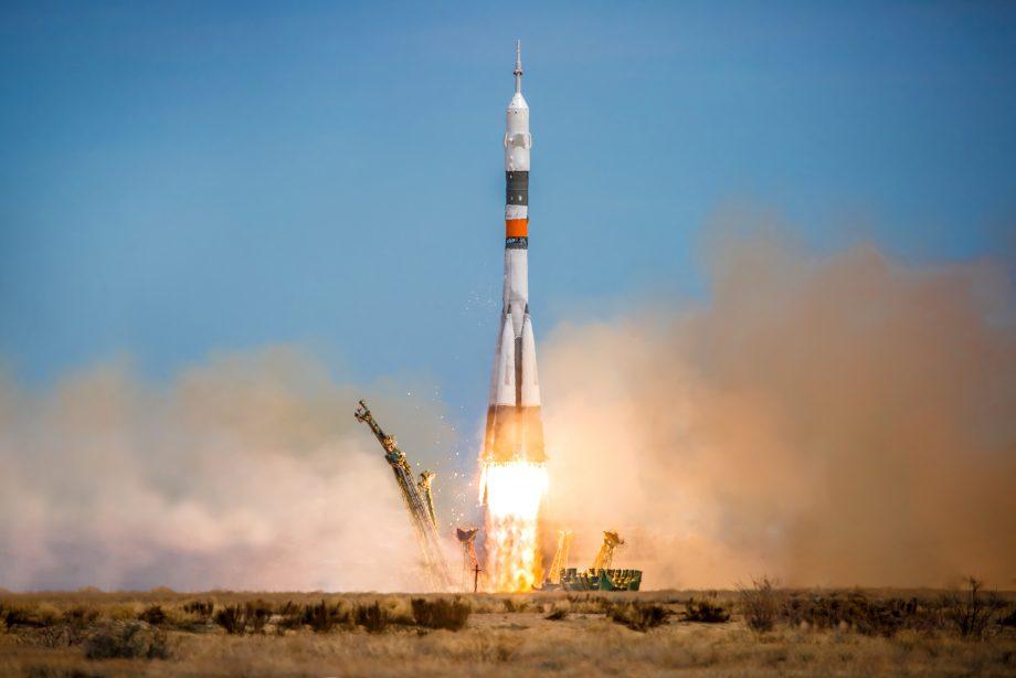 rakete-hebt-ab