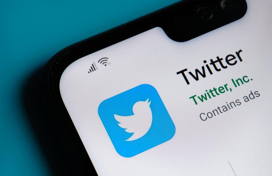 Twitter-Logo auf Smartphone