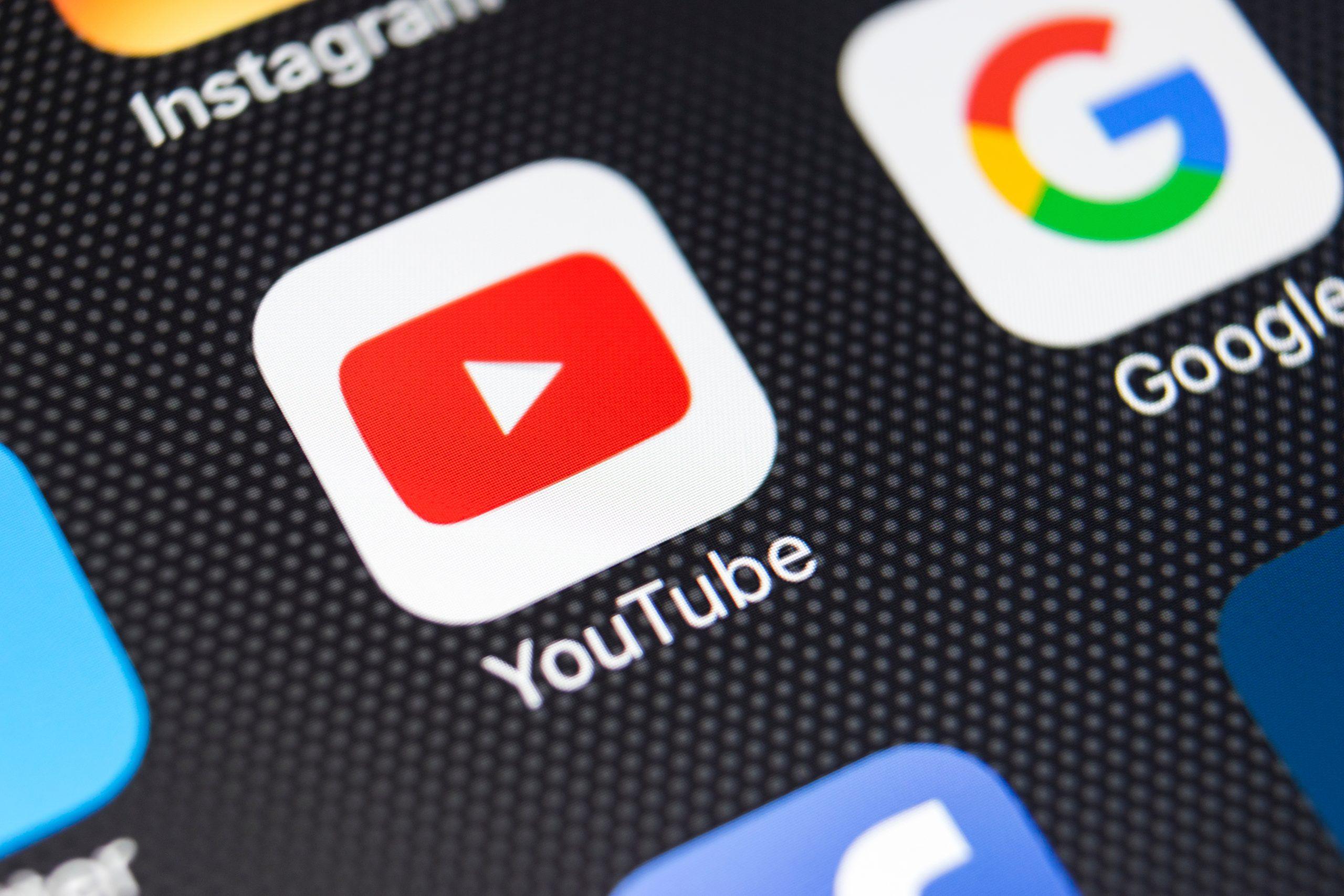 Youtube Symbol als App auf einer Smartphone