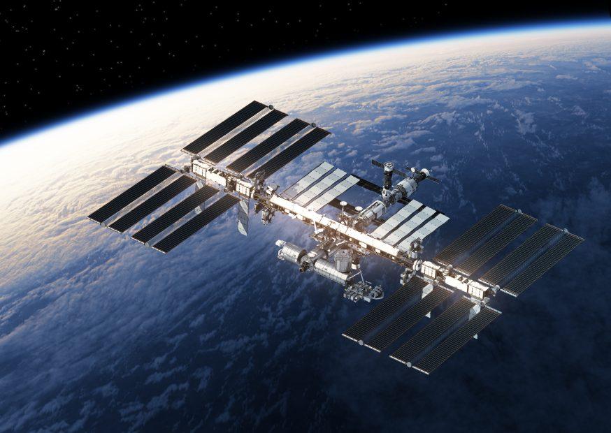 Satellit der ISS umkreist die Erde