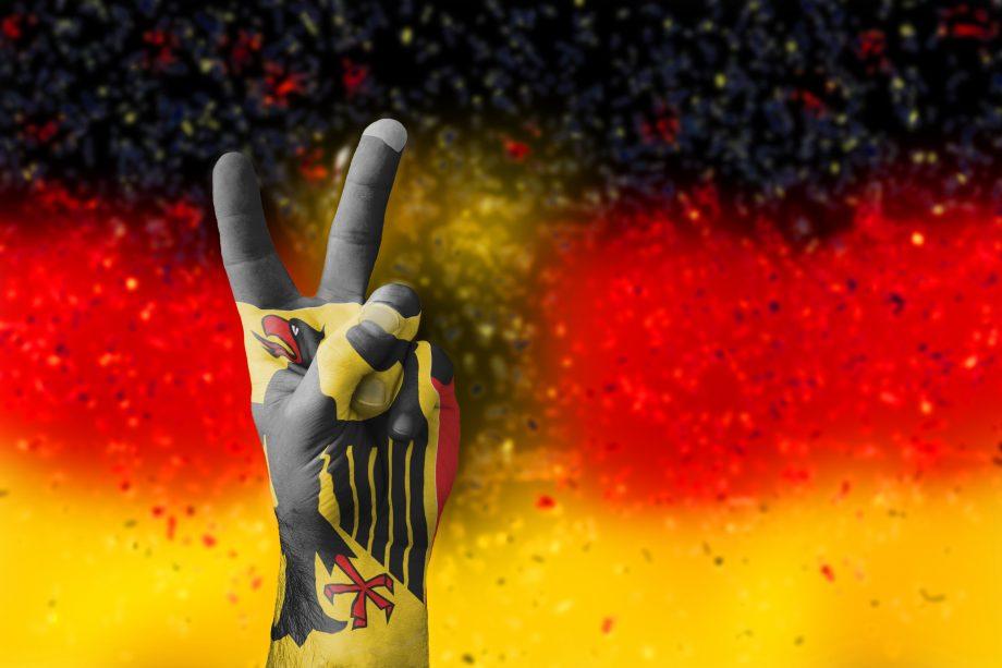 Deutschland Fahne mit Victoryzeichen