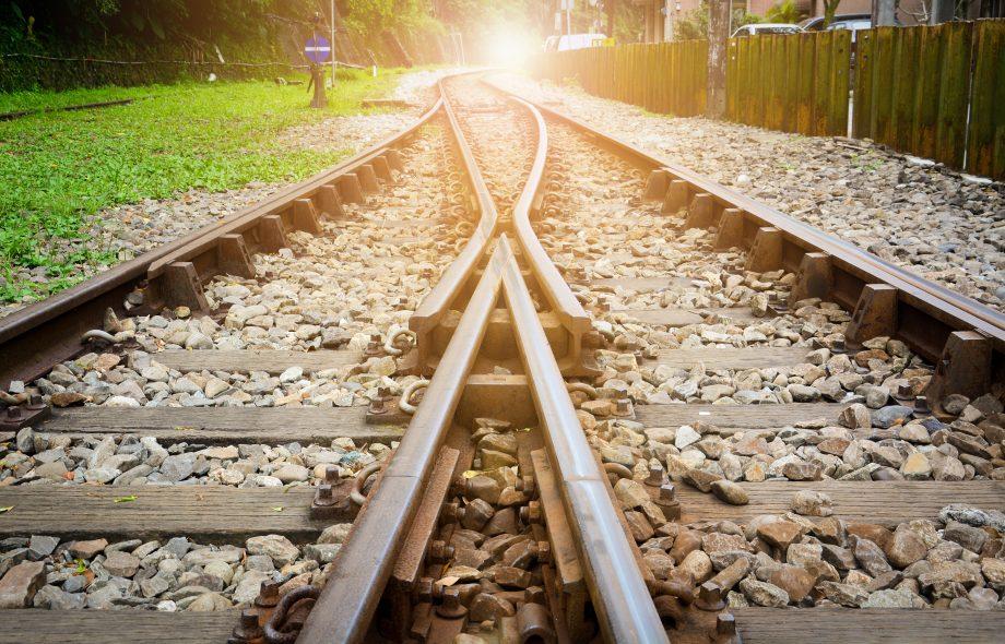 Bahnschienen verschmelzen miteinander