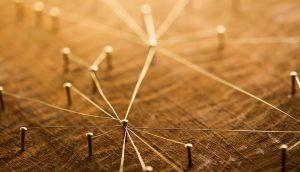 Fäden verbinden sich