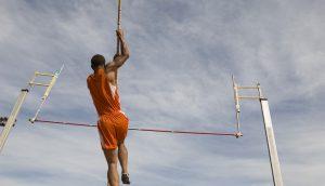 Sportler beim Hochsprung