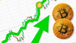 Grüner Pfeil mit Bitcoin Münze