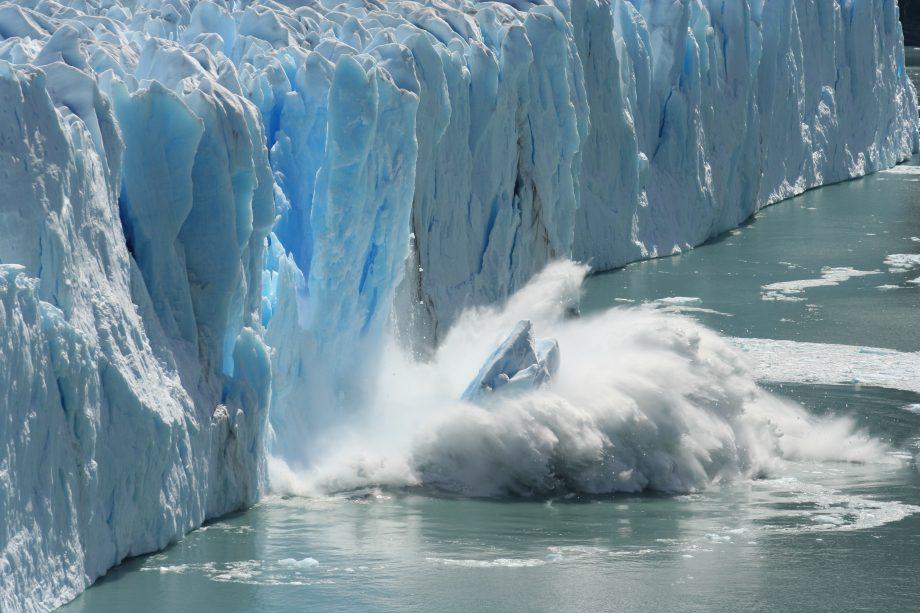 Ein kalbendes Eisschelf