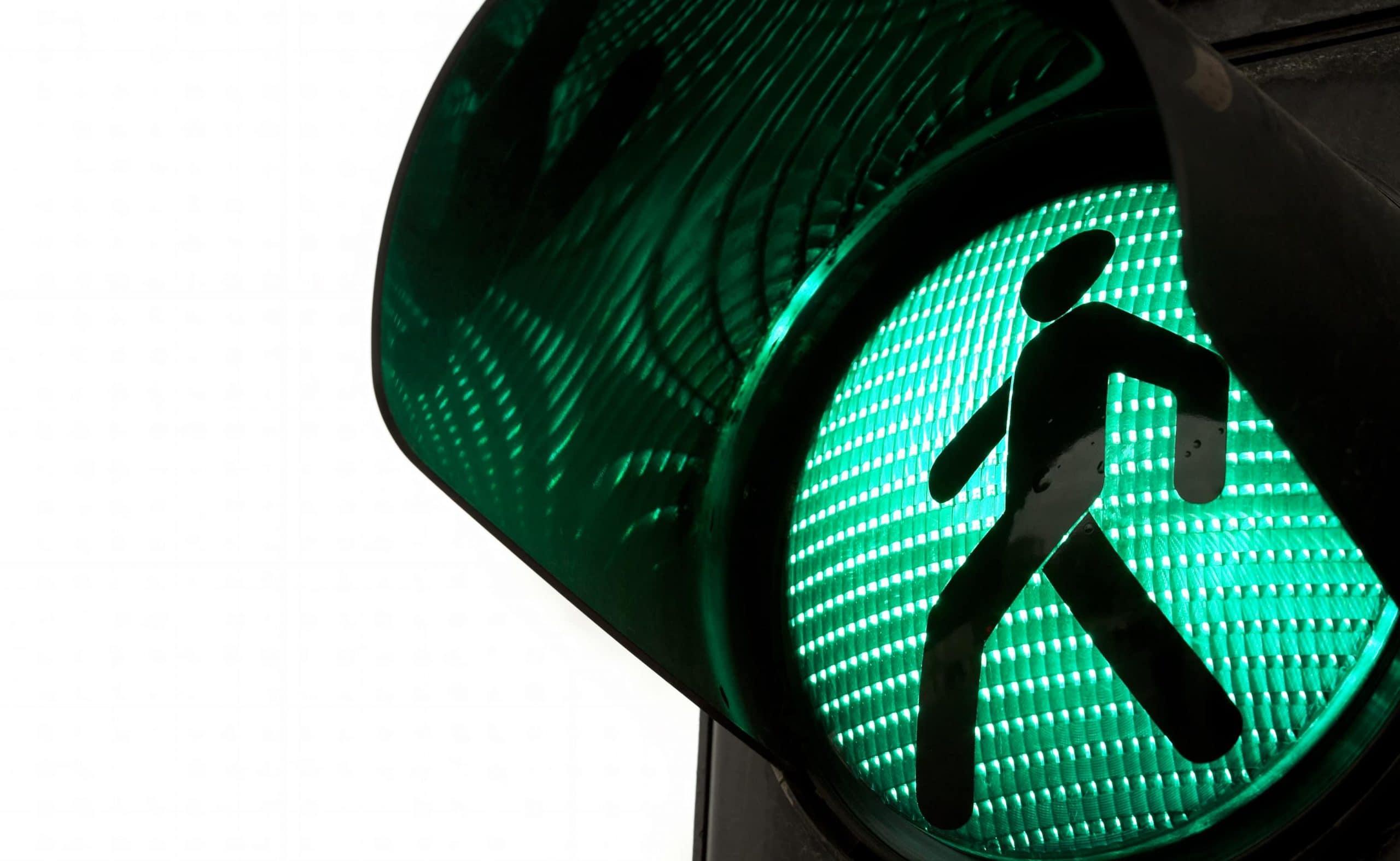 Grüne Fußgängerampel