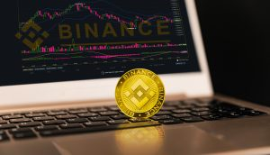 Binance ist ein Finanzbörsenmarkt. Crypto Currency-Hintergrund-Konzept. Kryptowährung BNB Binance-Münze