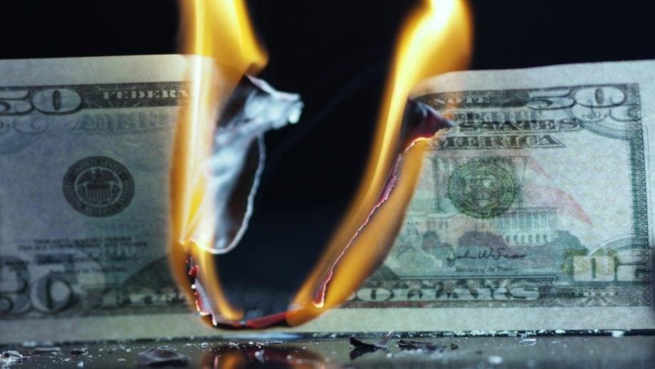 US-Dollar wird verbrannt