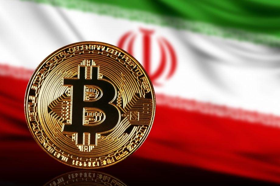 Bitcoin-Münze vor iranischer Flagge