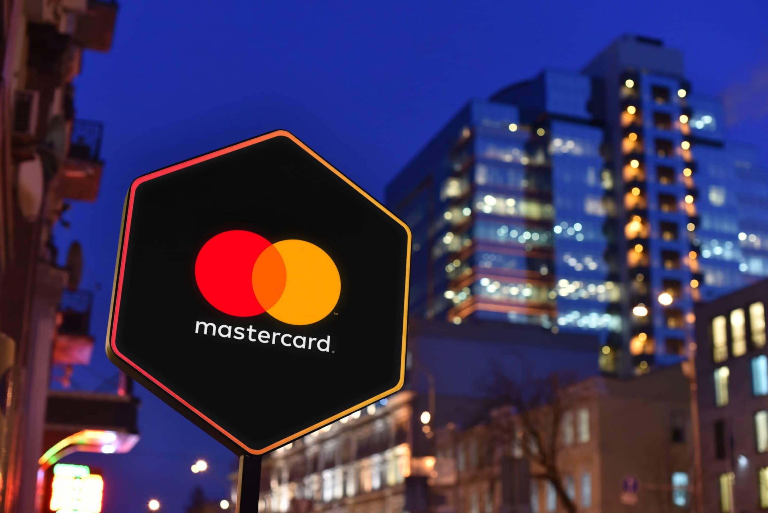Mastercard-Logo an Firmengebäude