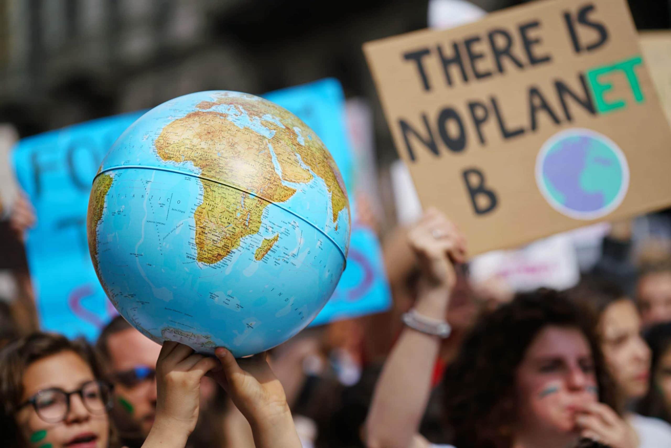 Menschen auf einer Demonstration