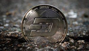 Dash-Münze auf der Erde