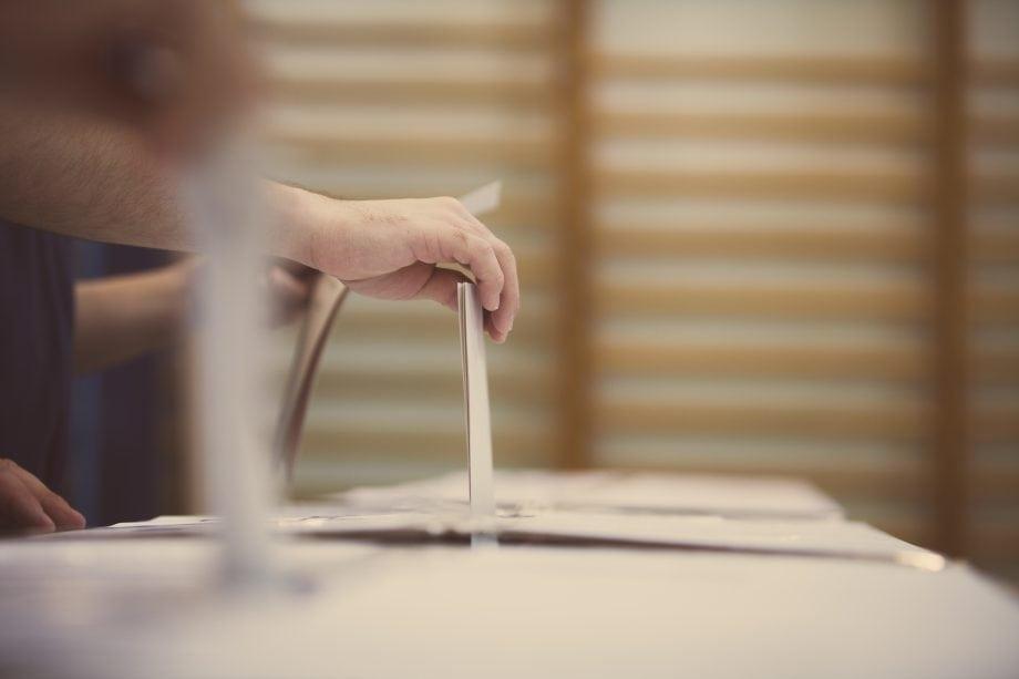Abgabe eines Stimmzettels