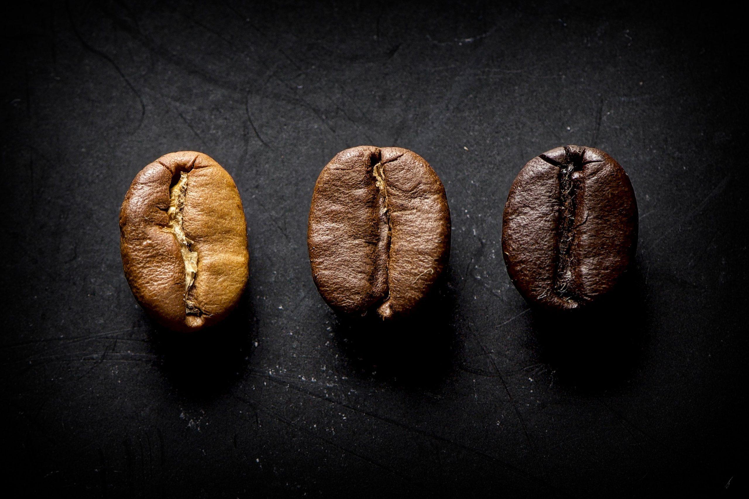 Kaffebohnen: Schwarz, beige brauen