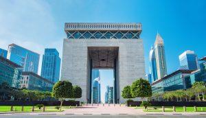 Das International Financial Center in Dubai am Tag
