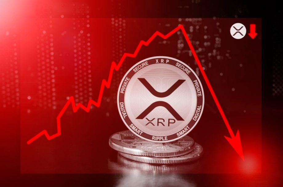 Ripple-Asset XRP vor einem Kursschart, der einen Absturz illustriert