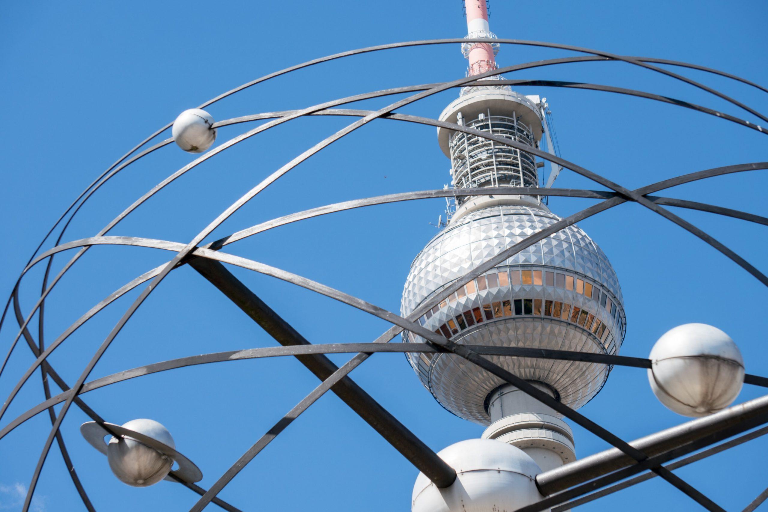 Berlin Alexanderturm zu Krypto-Fonds von Greenfield One