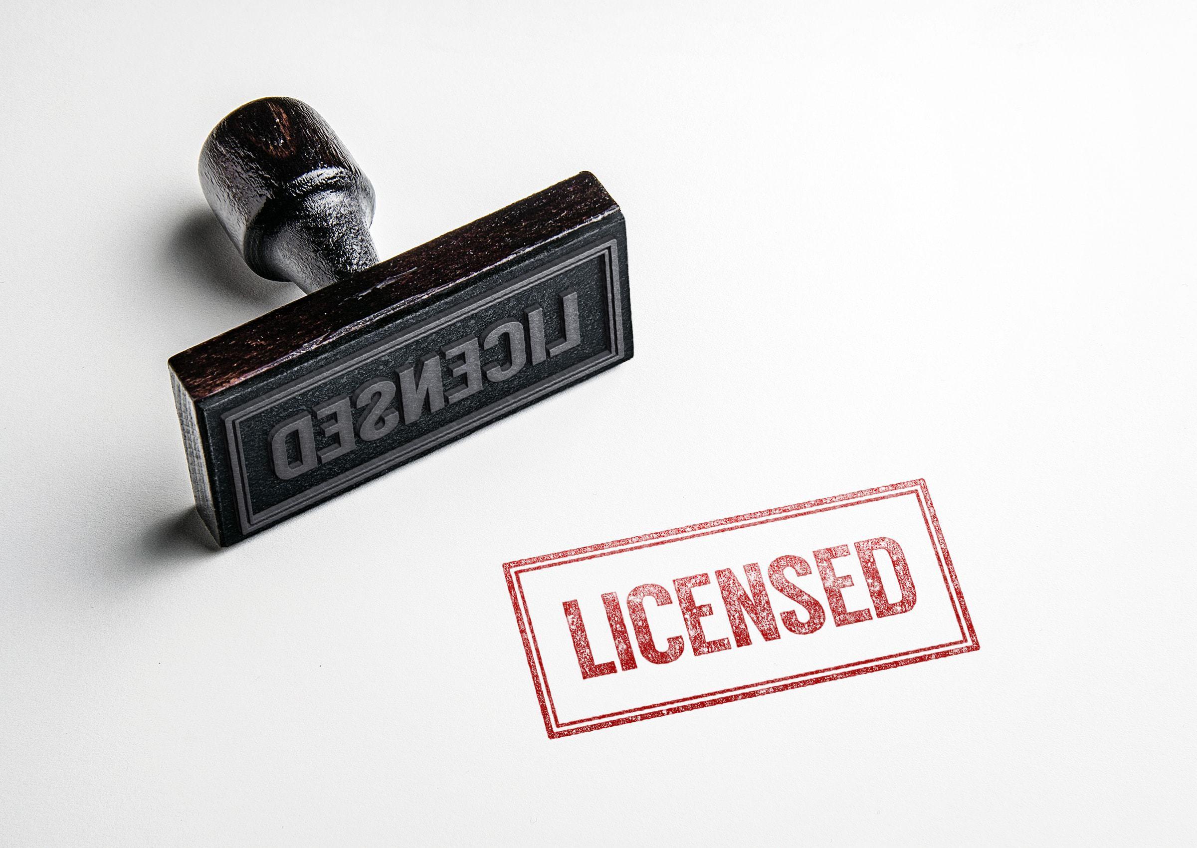Licensed Stempel vor weißem hintergrund