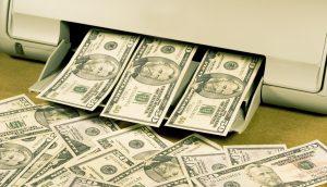 Ein Drucker, der 50-US-Dollar-Noten ausspuckt