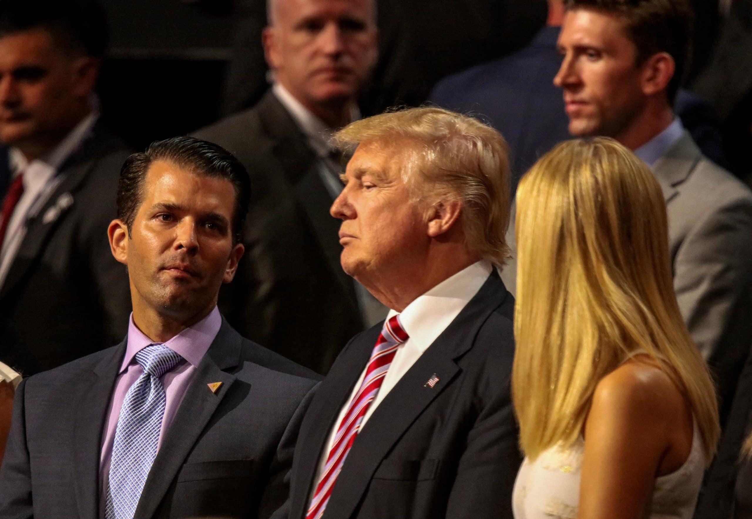 Donald J. Trump und sein Sohn Donald Trump Junior auf einer Veranstaltung.