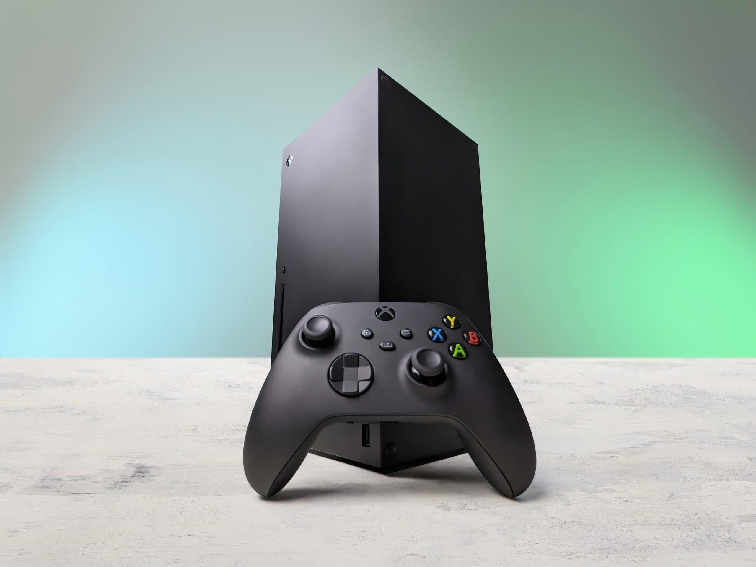 Xbox Series X mit Controller