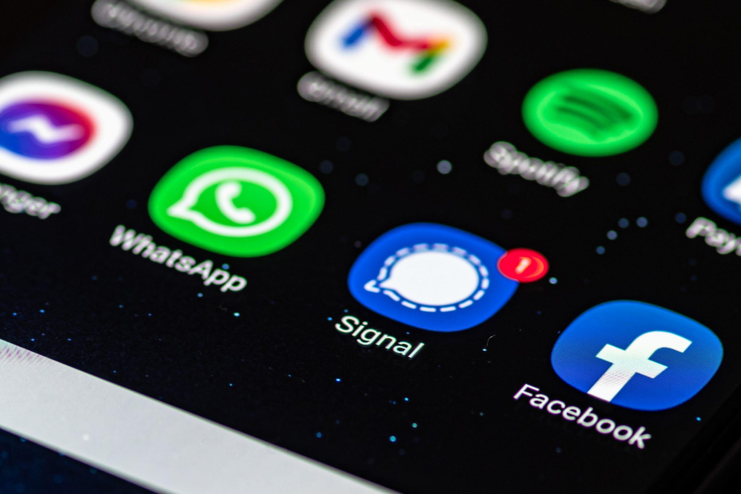 Signal App-Logo auf einem Smartphone