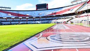 Das leere Fußballstadion von River Plate.