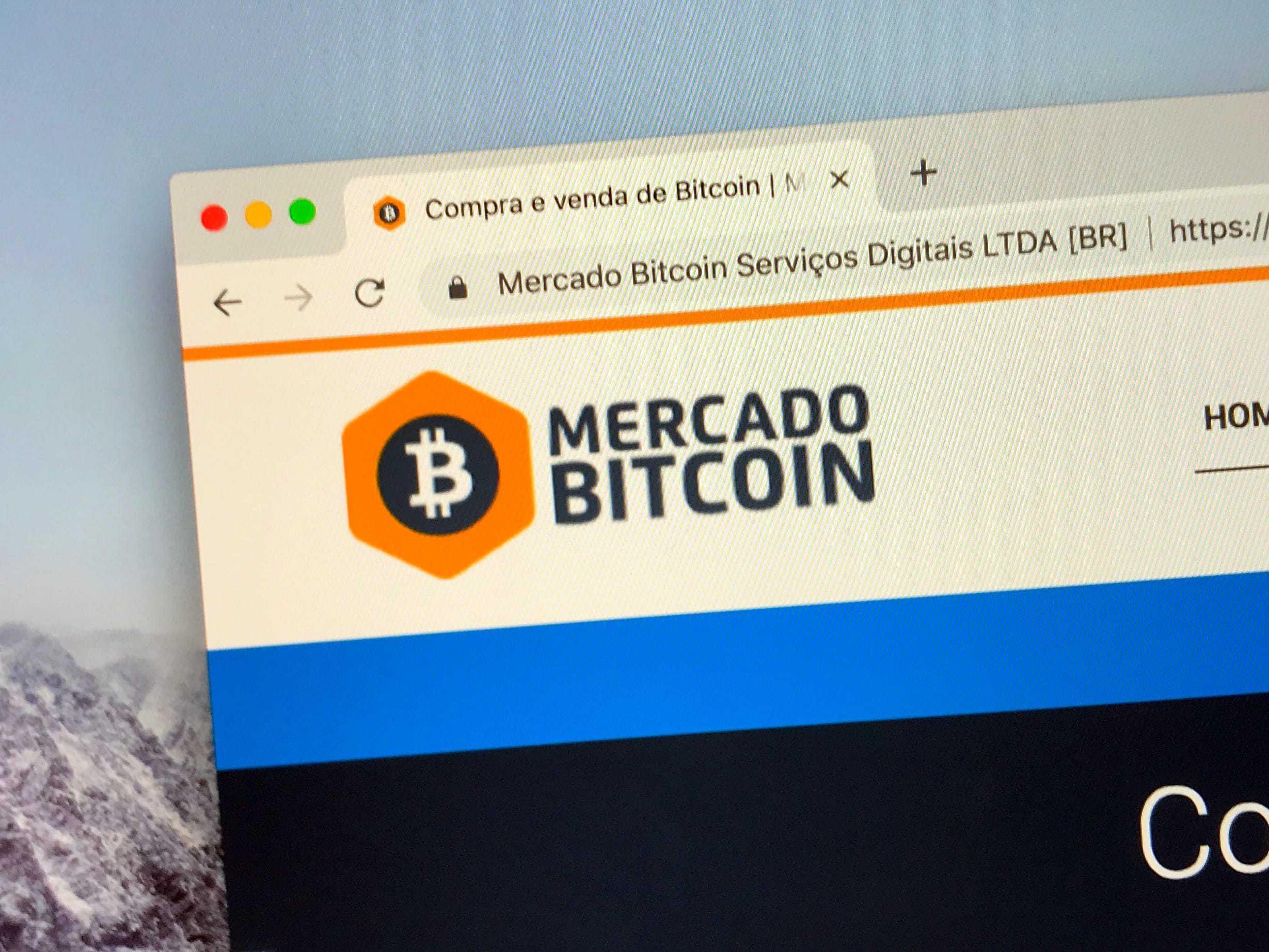 Die Homepage von Mercado Bitcoin auf einem Bildschirm.