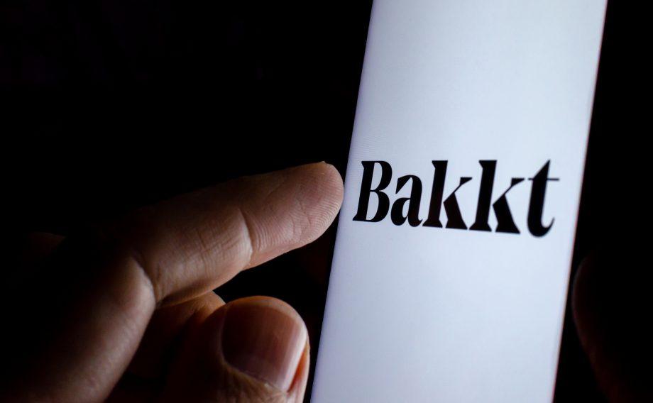 Smartphone mit Bakkt-Logo