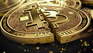 Zerstörte Bitcoin-Münze (3D-Illustration)